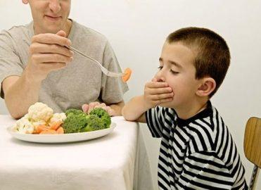 Vai bērnībā ēdot cūku pupas var kļūt par baņķieri?
